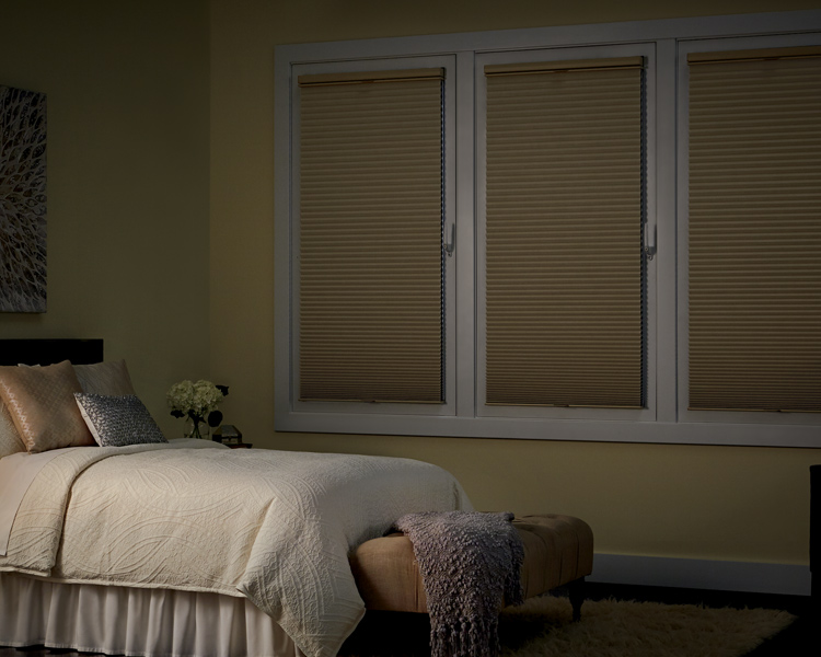 Blackout Blinds Amp Room Darkening Shades Hunter Douglas